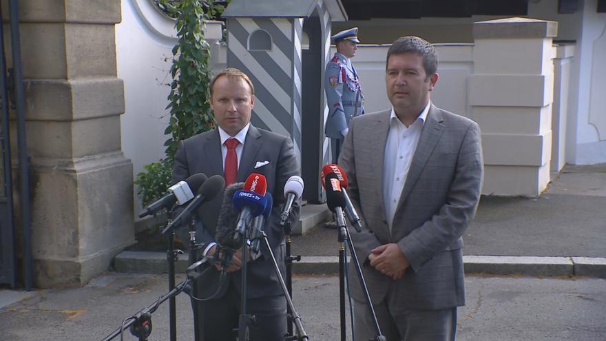 Video Brífink Miroslava Pocheho a Jana Hamáčka
