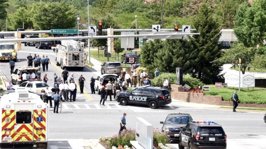 Video Útočník zastřelil v redakci amerických novin pět lidí a dva zranil