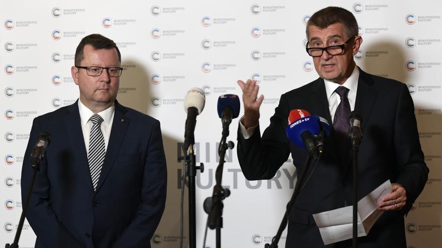 Video 90' ČT24: Spor o odchod ministra kultury z vlády