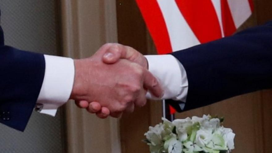 Video Úvodní vyjádření Trumpa a Putina před důvěrným jednáním