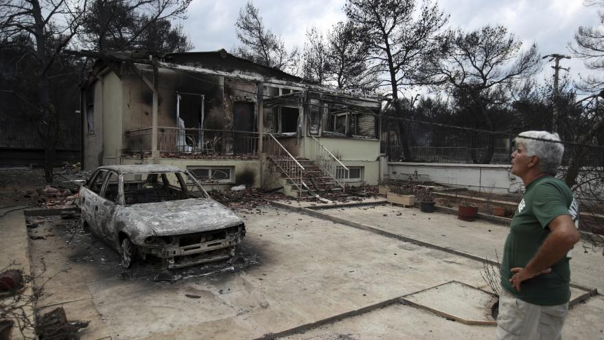 Video Spolupracovník ČT Kulidakis: Požár zabil tolik lidí i proto, že řada budov stála v zakázaných zónách