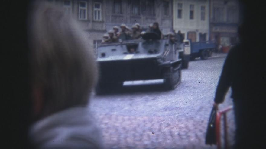 Video Nikdy nezveřejněné záběry okupace: autor je Fin