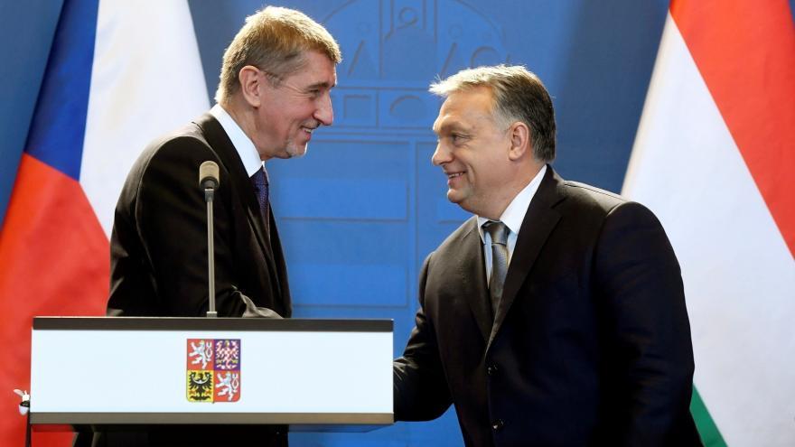 Video Události: Babiš jednal s Orbánem o uzavřených hranicích