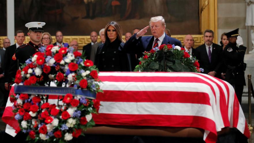 Video 90' ČT24 - Amerika se loučí s prezidentem Georgem Walkerem Bushem