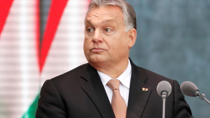 Video Horizont ČT24: Evropští lidovci pozastavili členství strany Fidesz