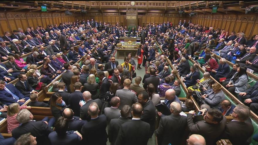 Video Analytik ČT Hájek: V britském parlamentu aktuálně není žádná většina pro žádné řešení