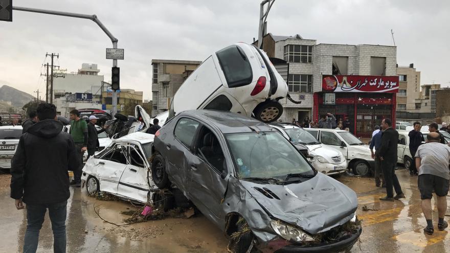 Video Írán zasáhly devastující povodně