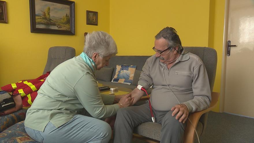 Video Události ČT: Více peněz na domácí péči