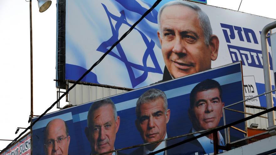 Video Izraelci volí parlament, očekává se těsný výsledek