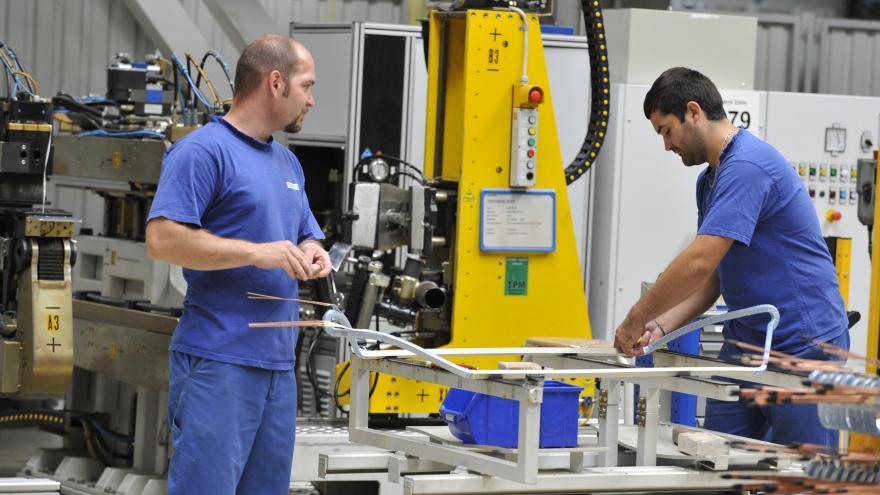 Video Události ČT: Průmysl v červenci stagnoval. Výroba aut ale výrazně rostla