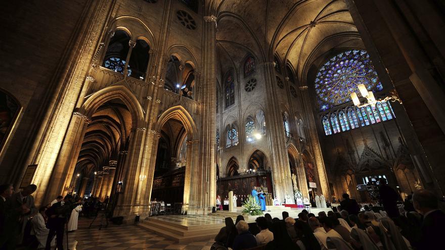Video Zpravodaj ČT: Francie diskutuje o budoucí podobě Notre-Dame