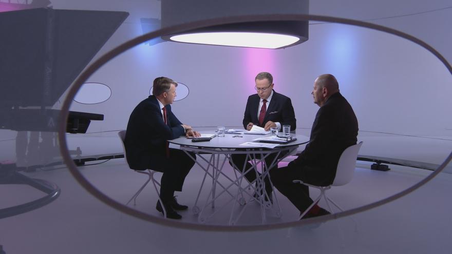 Video Otázky Václava Moravce navštívil viceguvernér ČNB Tomáš Nidetzký a ekonom Michal Mejstřík
