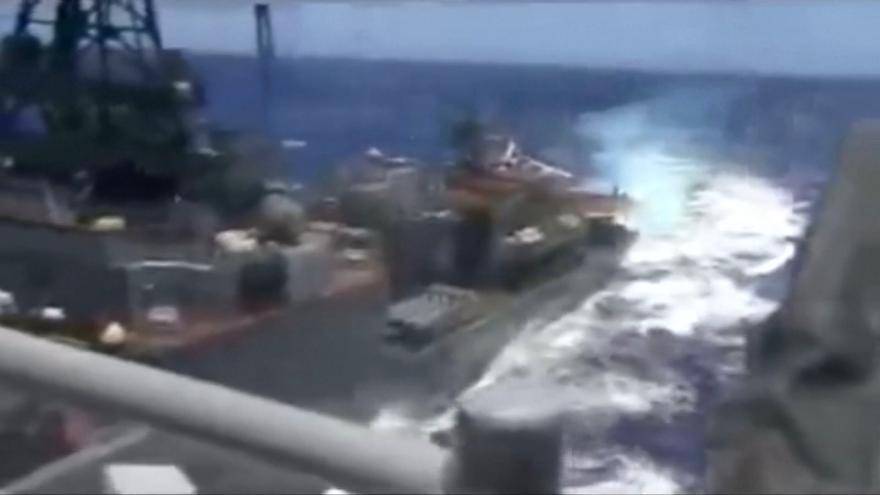 Video Ruská a americká loď se málem srazily
