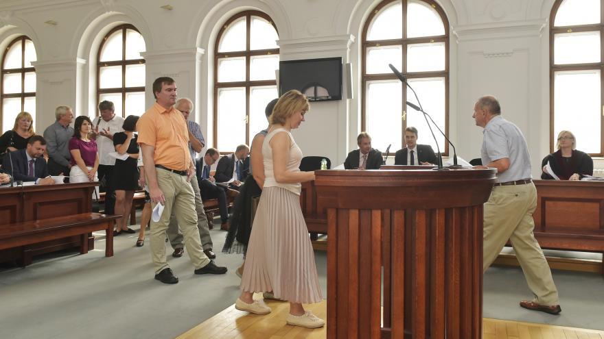 Video Krajský soud v Plzni rozhoduje o dalším osudu hutí a kováren Pilsen Steel