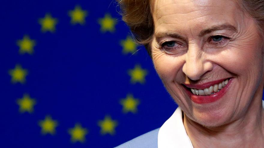 Video Europoslanci rozhodnou o von der Leyenové v čele Evropské komise