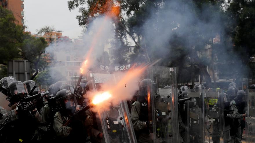 Video Protesty v Hongkongu sílí. Podle Číny jde o největší krizi od roku 1997