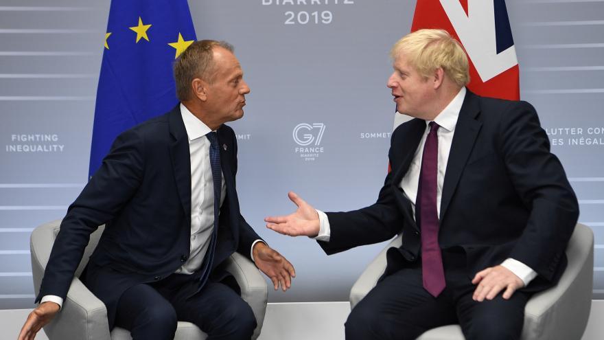 Video Johnson si po schůzkách na summitu G7 myslí, ža šance na brexit s dohodou jsou vyšší