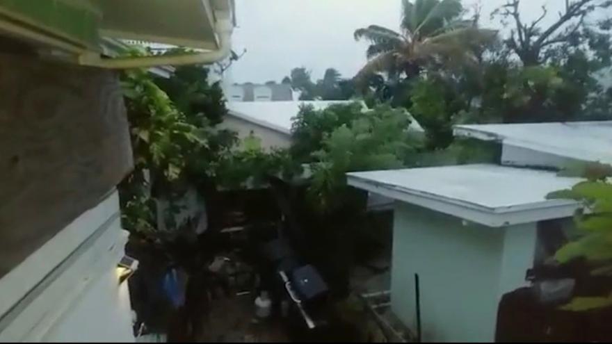 Video Den po ničivém hurikánu Dorian na Bahamách