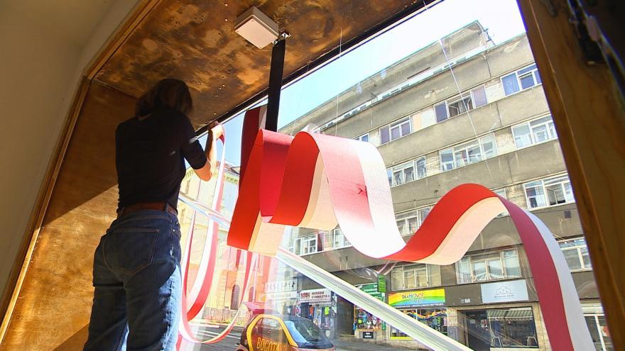 Video Obchody v Brně lákají zákazníky na designové výlohy