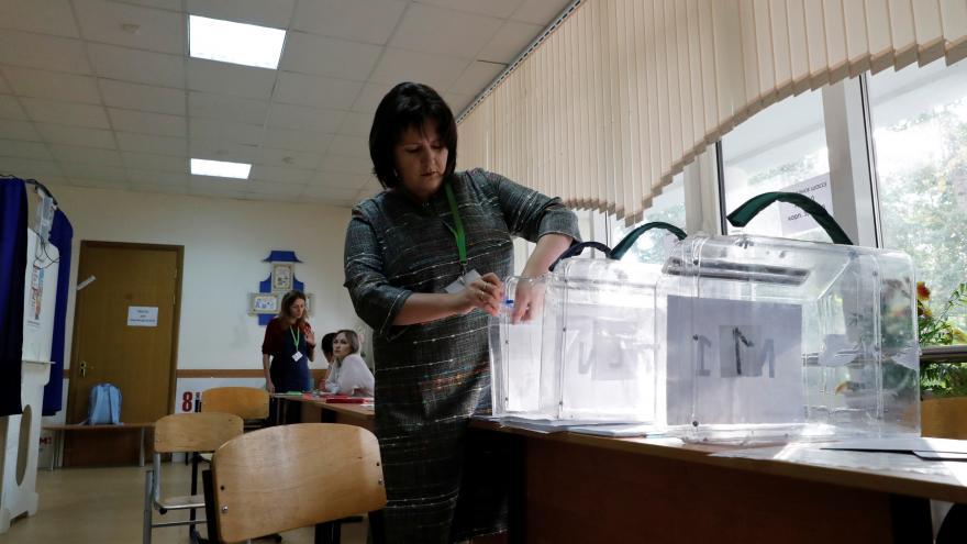 Video Zpravodaj ČT Karas: Nezávislí pozorovatelé evidují narušení voleb