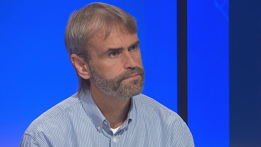 Video 90' ČT24 - Odchod Roberta Šlachty z funkce