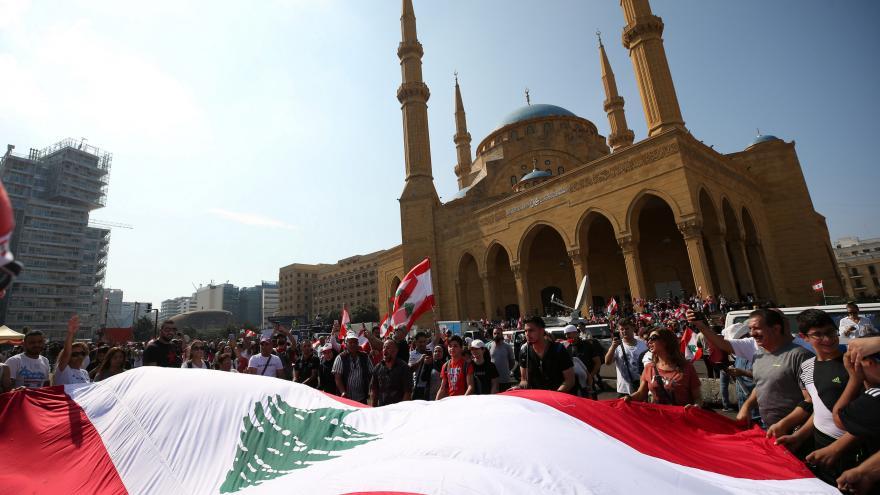 Video Libanonská vláda slíbila reformy, demonstrantům to nestačí