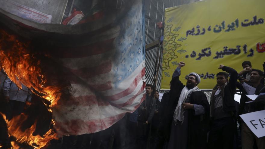 Video Před čtyřiceti lety obsadil Írán americkou ambasádu v Teheránu. Vztahy mezi oběma zeměmi se od té doby nezlepšily