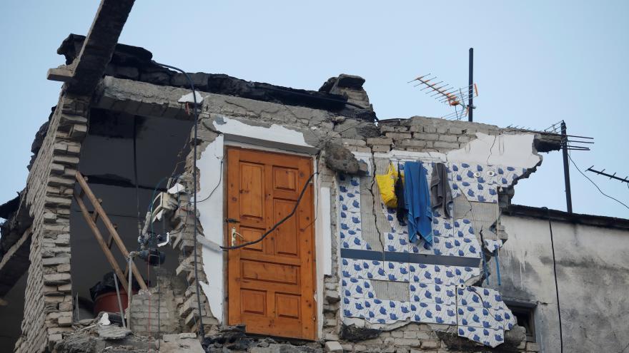 Video Albánii postihlo silné zemětřesení. Nejméně čtyři lidé zemřeli, 150 je zraněných