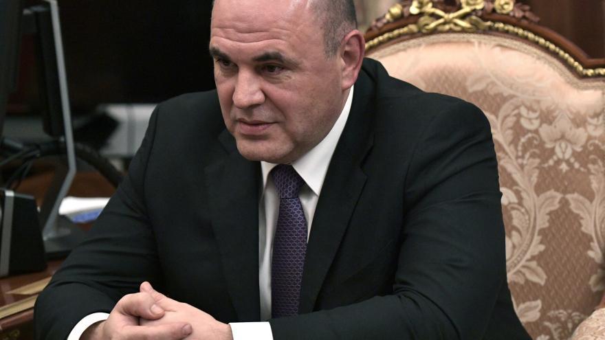 Video Události: Dříve nakažený ruský premiér se zúčastnil jednání