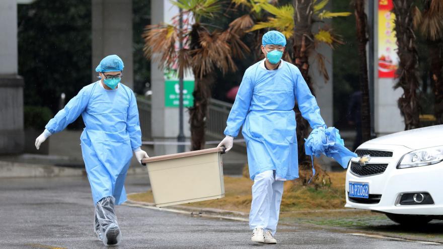 Video 90' ČT24 - Jak zabránit šíření nového typu koronaviru?