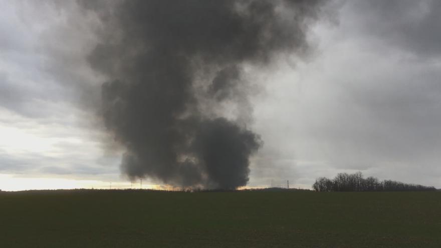Video Dým z požáru vrakoviště u Kladna