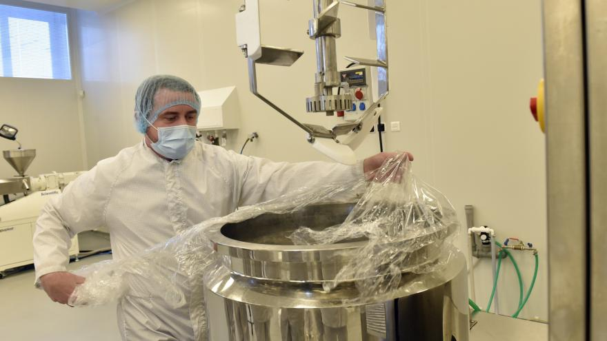 Video Na výrobu vlastního dezinfekčního gelu mají ve Zlíně patent