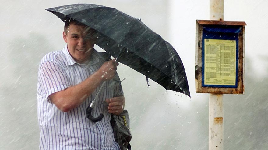 Video O víkendu má pršet