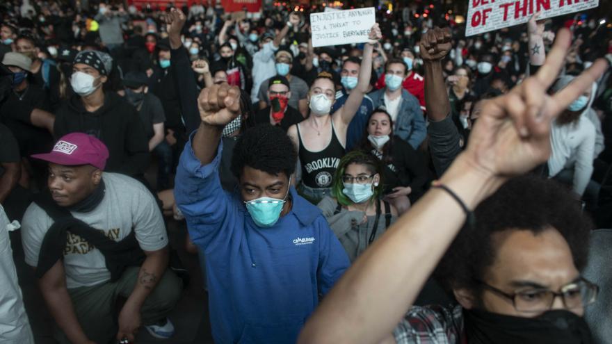 Video Události ČT: USA zažívají největší občanské nepokoje od roku 1968