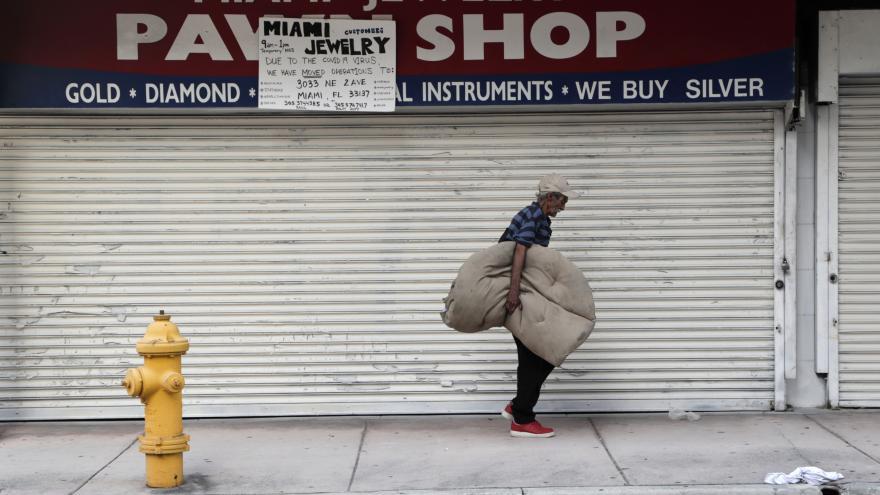 Video Nezaměstnanost v USA v květnu klesla
