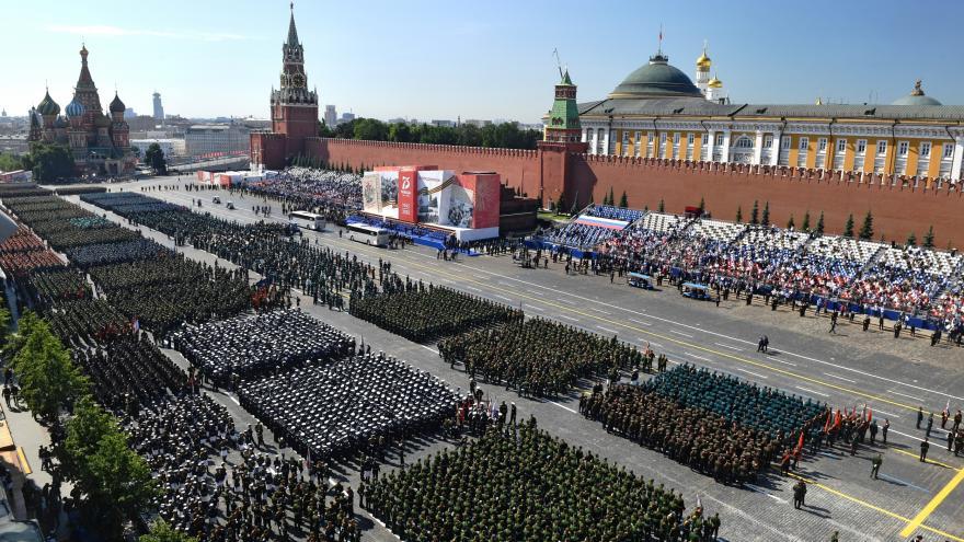 Video Rusko si připomíná vítězství ve druhé světové válce. Každoroční vojenskou přehlídku odsunul koronavirus
