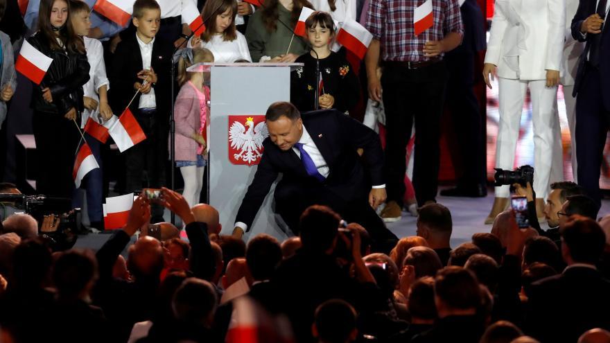 Video Andrzej Duda vyhrál prezidentské volby