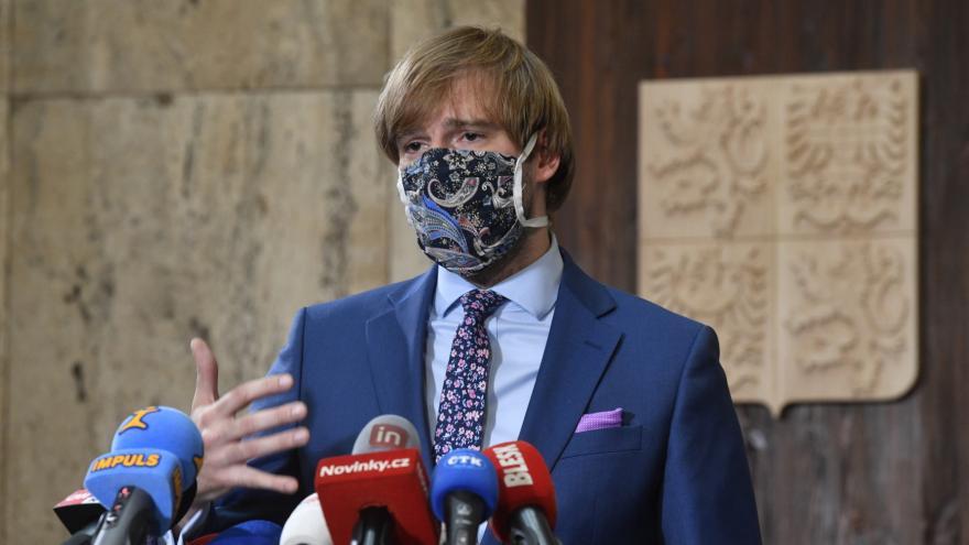Video Mimořádná tisková konference ministra zdravotnictví Adama Vojtěcha o zpřísnění některých opatření