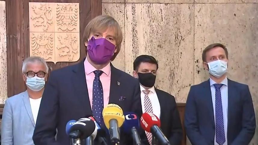 Video Adam Vojtěch rezignoval na pozici ministra zdravotnictví