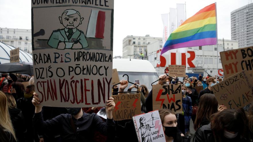 Video Horizont ČT24: Lukáš Mathé ohledně polských protestů