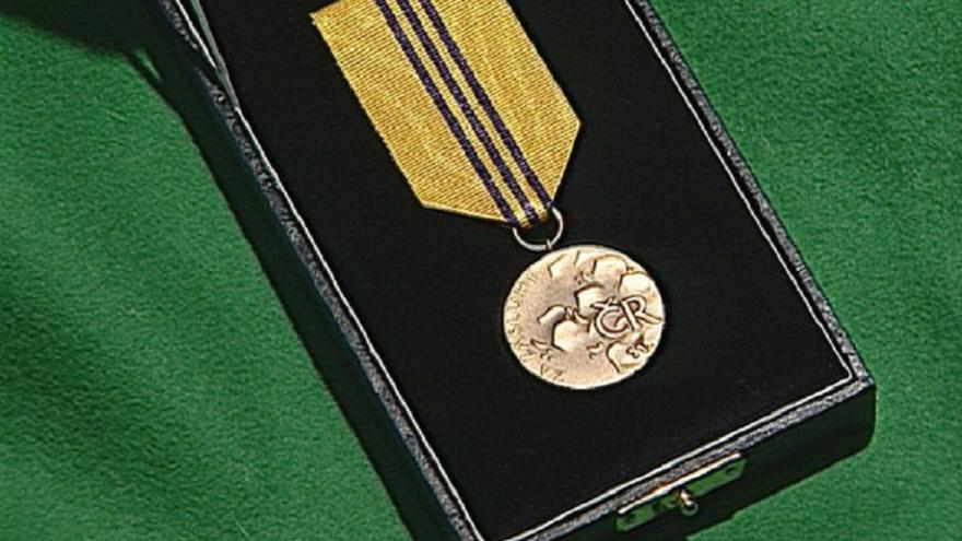 Video 90' ČT24 - Nositelé nových státních vyznamenání