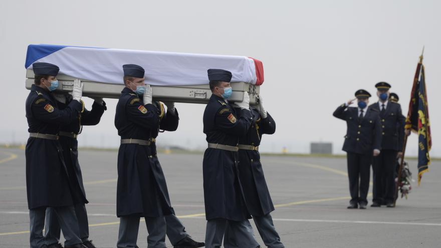 Video Pietní akt k úmrtí české vojákyně