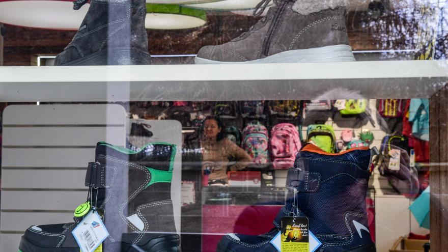 Video Události: Nejasnosti kolem prodeje sortimentu pro děti