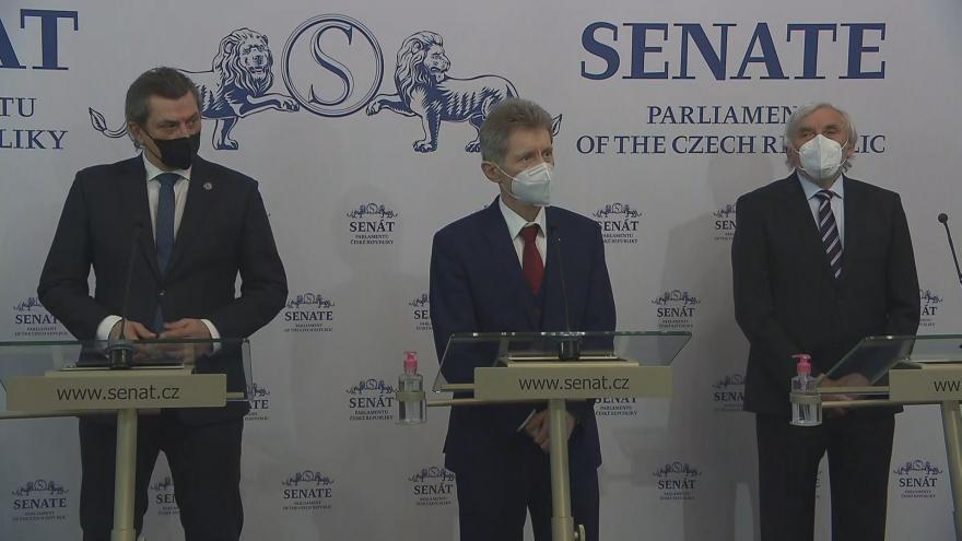 Video Tisková konference senátorů k návrhu zrušení nouzového stavu
