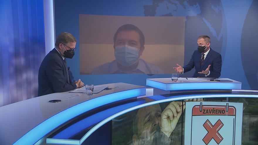 Video UK: Rok s koronavirem
