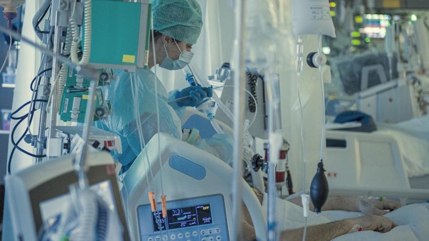 Video Události: V nemocnicích stoupá spotřeba kyslíku