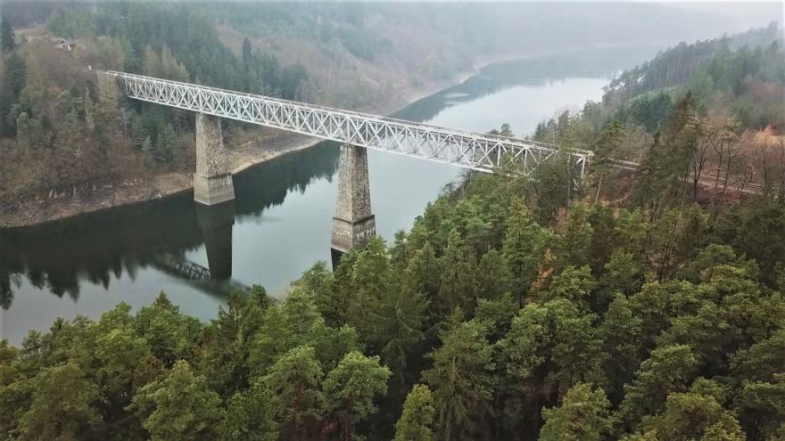 Video Události: Spor o budoucnost železničního mostu