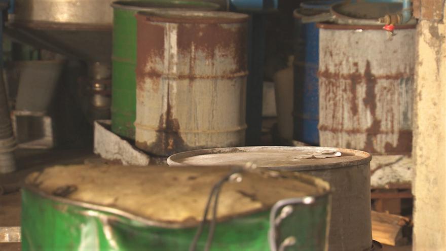 Video UvR: Sanace skladu chemikálií ve Lhenicích
