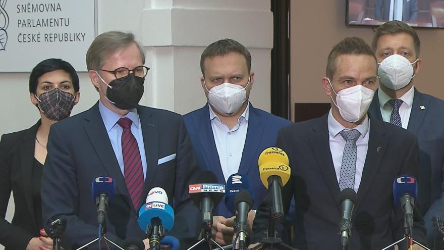 Video Události: Opozice má dost hlasů pro svolání schůze o nedůvěře vládě