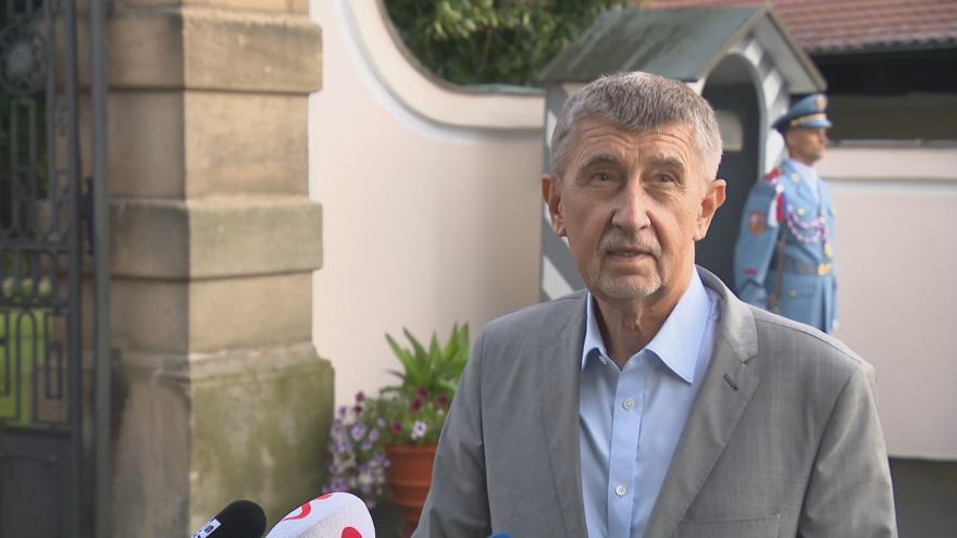 Video Brífink premiéra Babiše po jednání s prezidentem republiky v Lánech z 2. srpna